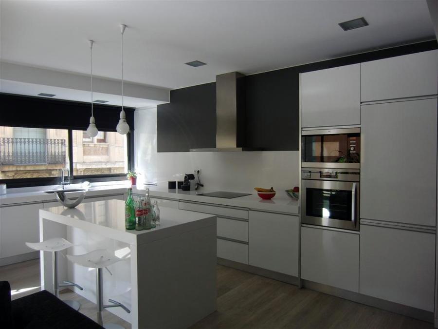Cocinas con isla en blanco images - Cocina con isla ...