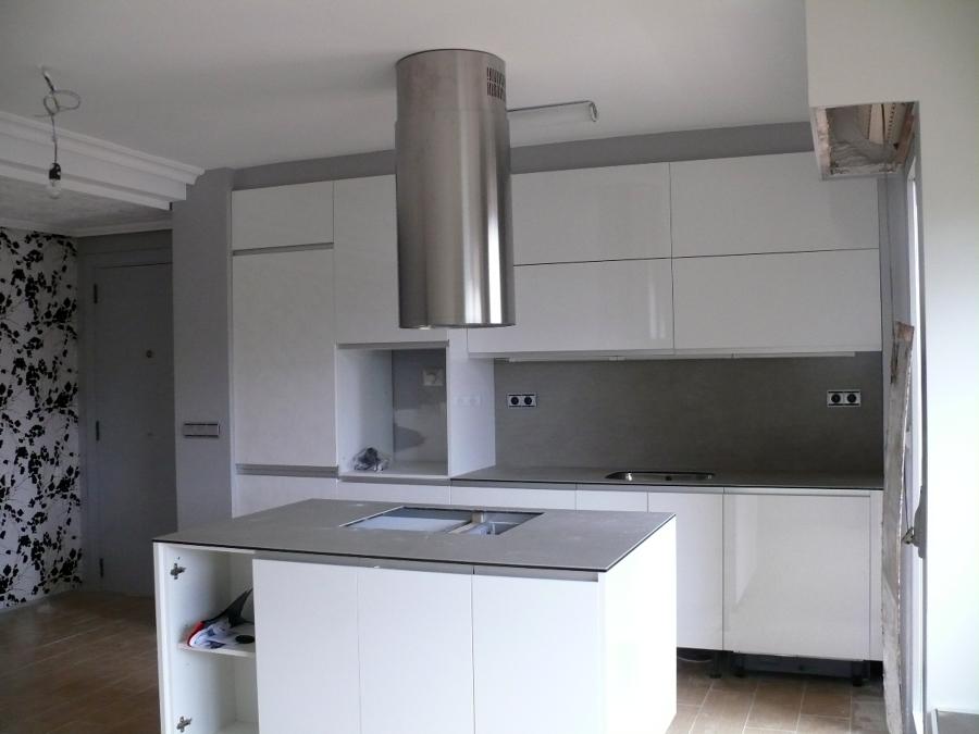 Foto cocina con isleta de erosotegi s l 334850 - Precio reforma cocina completa ...