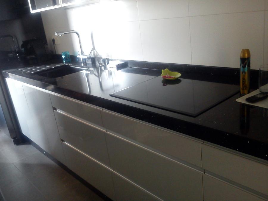 Foto cocina en blanco alto brillo de nova reforma - Cocinas lacadas en blanco ...