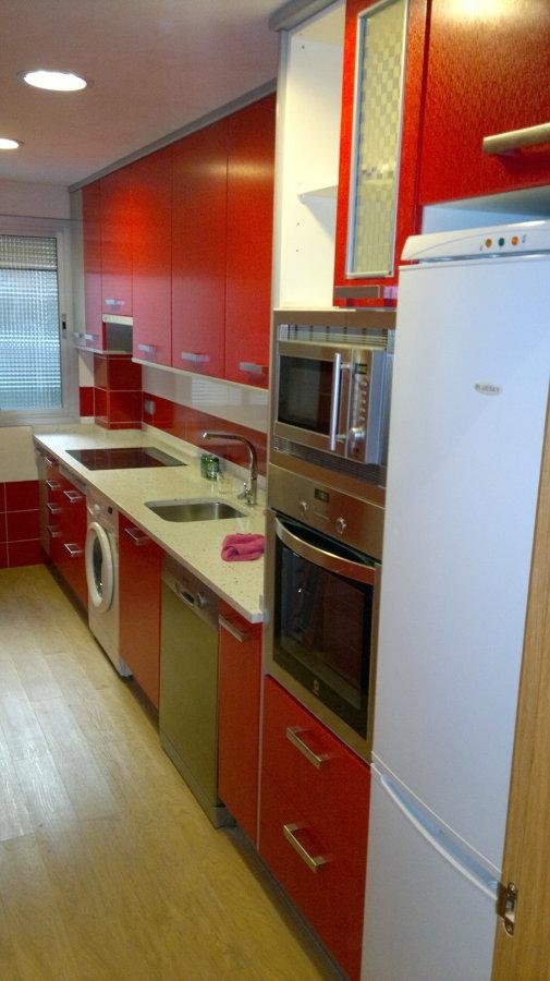 Cocina formica rojo brillo