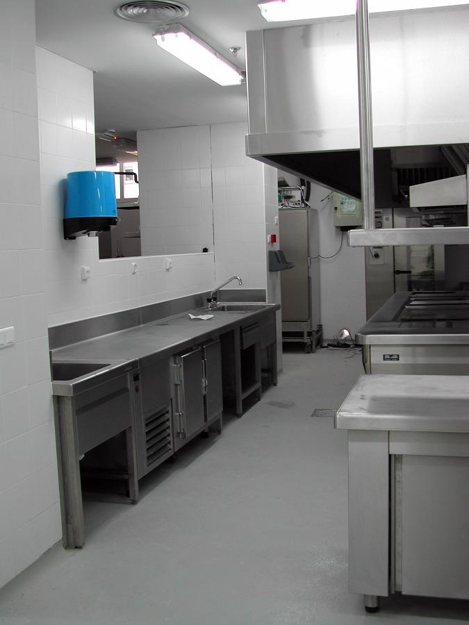 Foto cocina industrial de aproy arquitectura e ingenier a for Presupuesto cocina industrial
