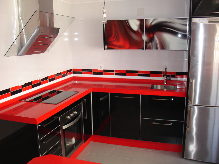 foto cocina roja y negra de cocinastellos l 505840