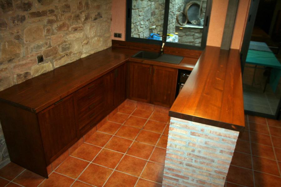 Foto cocina rustica en bodega de carpinteria industrial - Bodegas rusticas decoracion ...