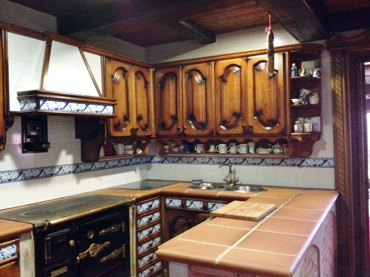 Foto cocina r stica de carpinter a a coba 440517 - Cocinas de obra rusticas ...