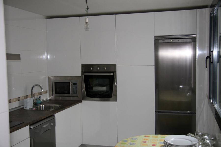 Foto cocina sin tiradores de carpinteria moises 336200 habitissimo - Cocinas sin tiradores ...