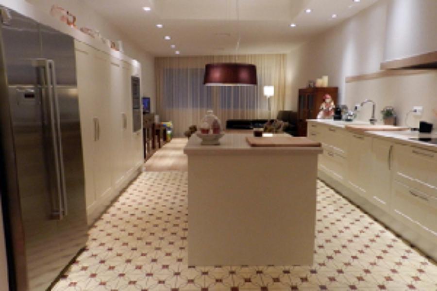 Foto cocina suelo hidraulico de saneamientos sempere s l for Baldosas cocina