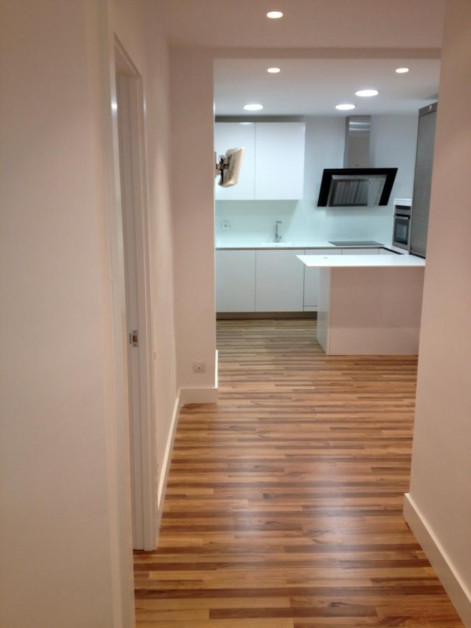 Tiendas De Muebles En Vizcaya : Foto cocina y suelo laminado de estudio estefania marzo