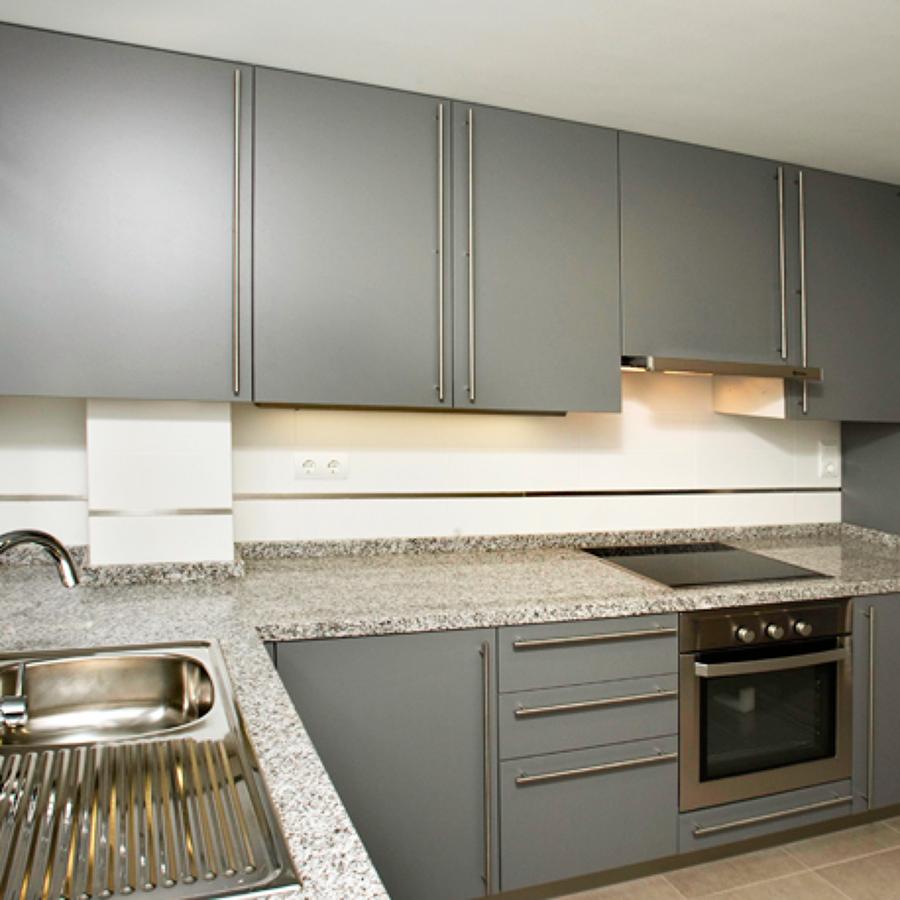 Foto cocina completa de construcciones espaicasa sl for Presupuesto cocina completa
