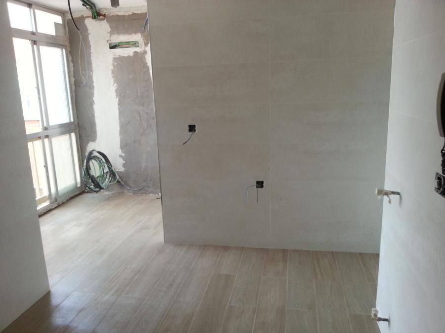 Suelo rectificado imitacion madera y azulejo rectificado 3.jpg