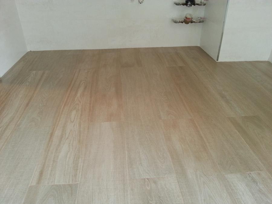 Suelo rectificado imitacion madera y azulejo rectificado 5.jpg