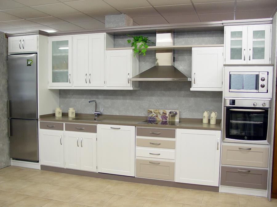 Foto cocinas 1 de muebles macizos sacristan 263883 for Cocinas terminadas