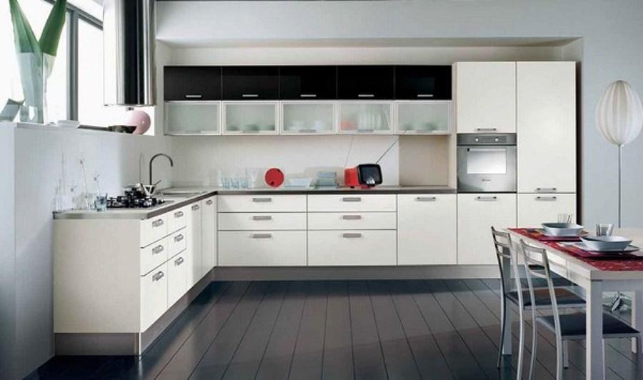 Cocina amplia y moderna