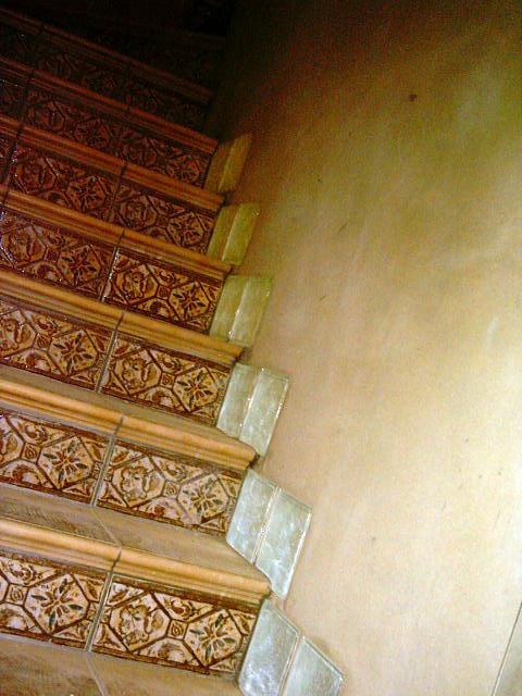 colocación de cerámicos en peldaños-escalera sin rodapiés