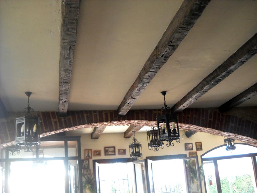 colocacion de falsas vigas en techo