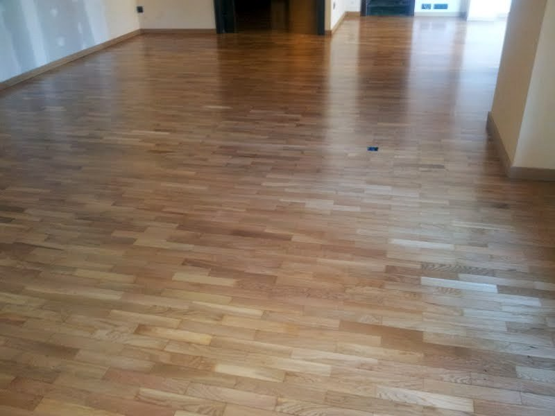 Colocación de parquet de roble encolado