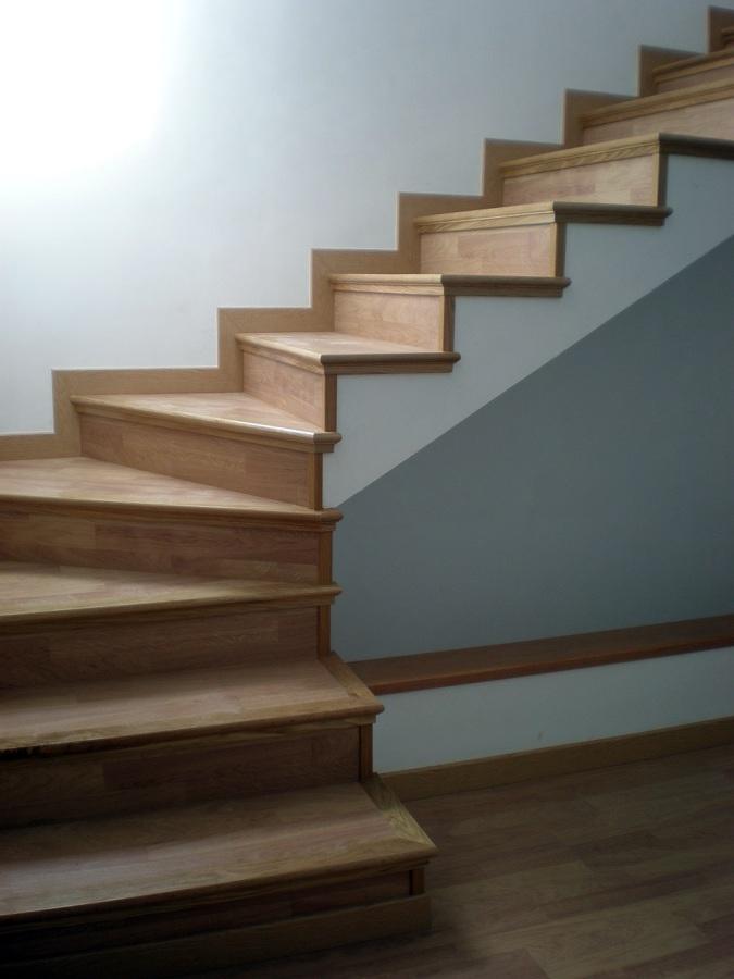 Foto colocaci n de parquet en escaleras de reformas - Colocacion de parquet de madera ...