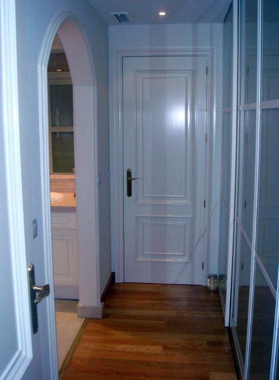 Colocación de Puertas Lacadas en Blanco