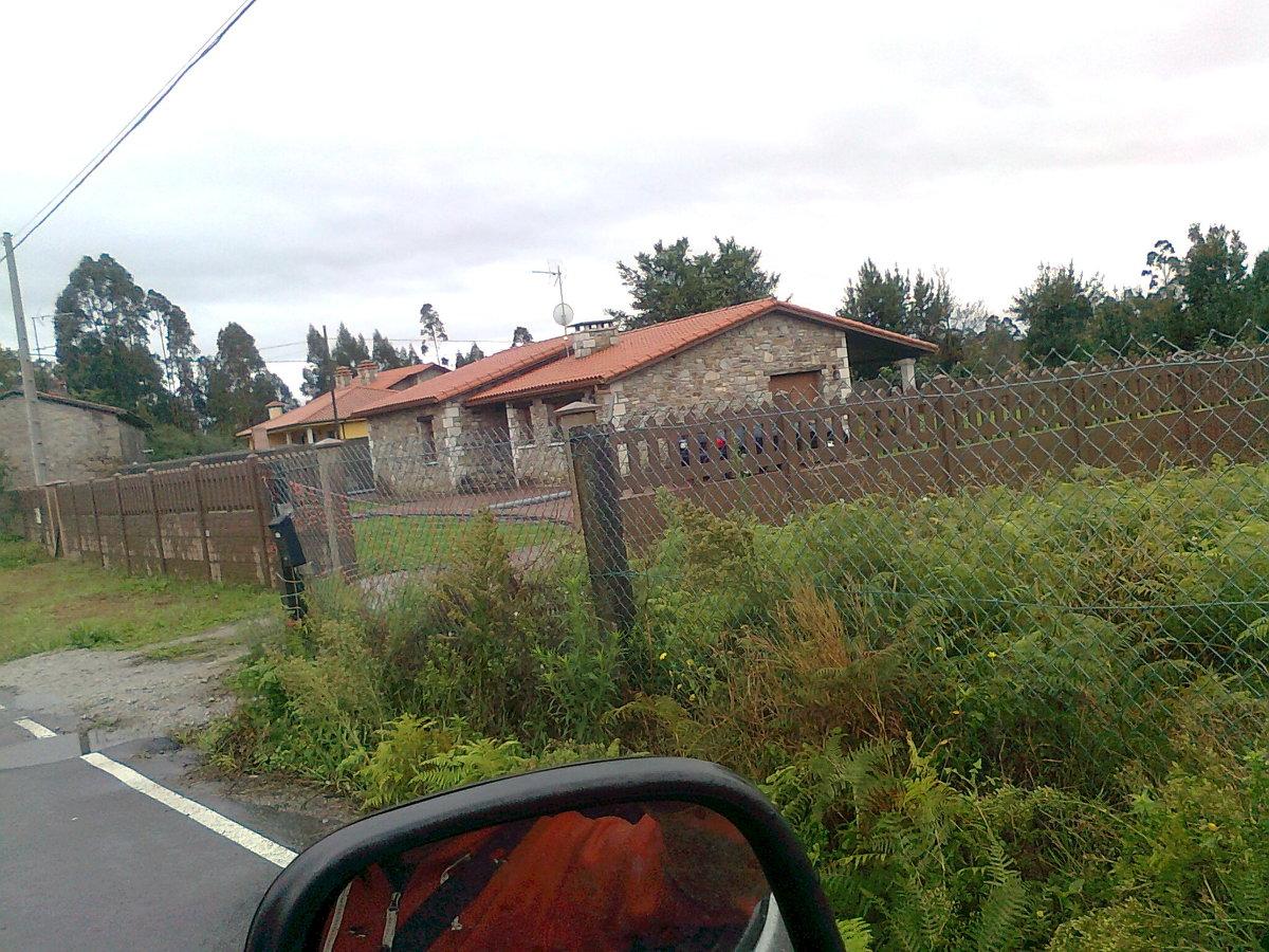 Foto colocacion de tejado en naron de cubiertas y for Piscina de naron