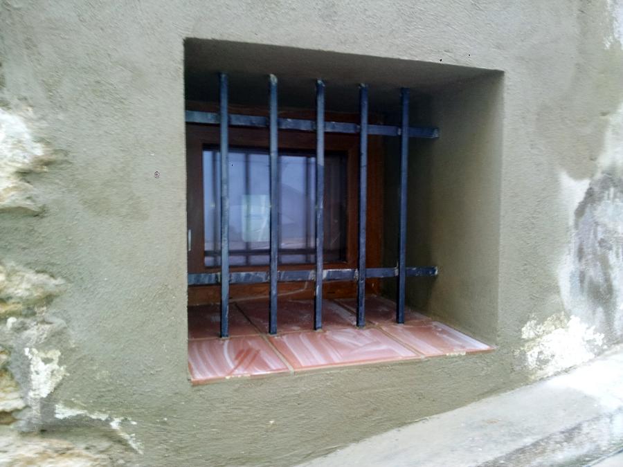 Foto colocaci n de ventana en muro de carga de piedra - Colocacion de piedra natural ...