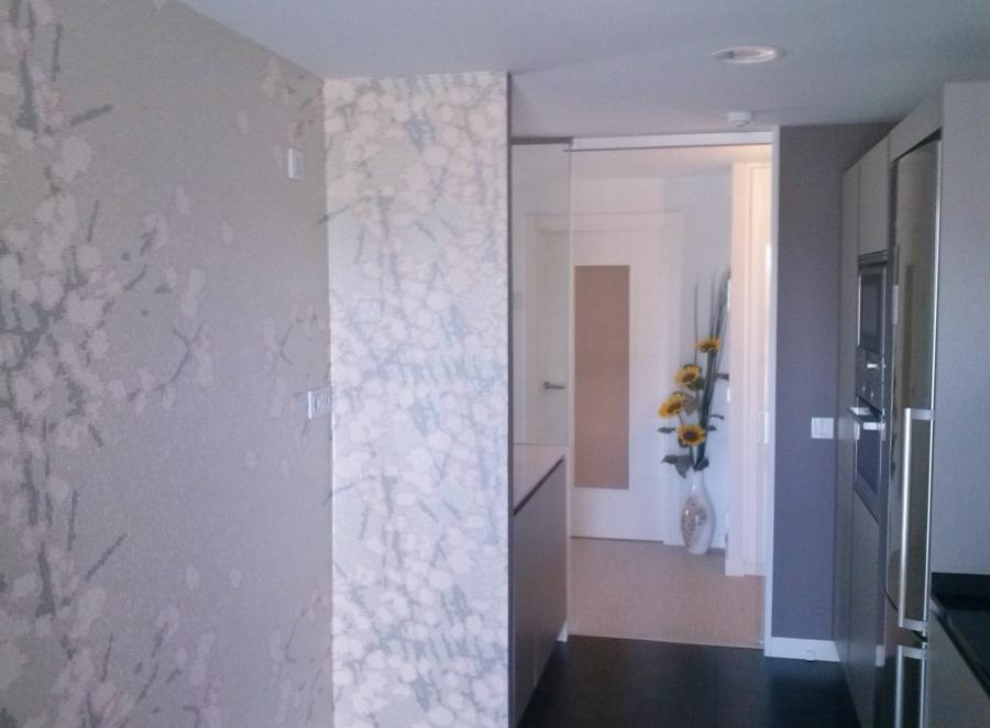 Foto colocaci n papel pintado en cocina de actual pinturas 725566 habitissimo - Papel pintado en cocina ...