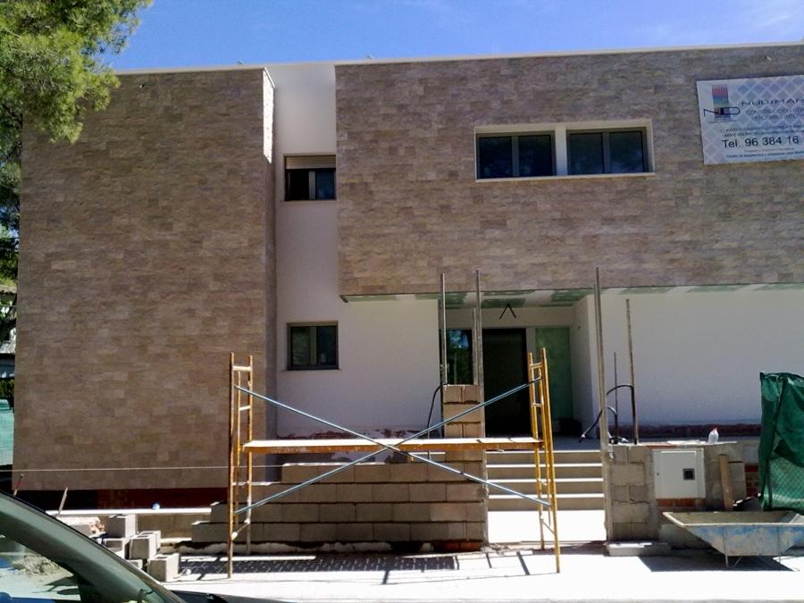 Foto colocaciones fachada con piedra de nov alicatados pavimentos 234149 habitissimo - Precio de piedra para fachada ...