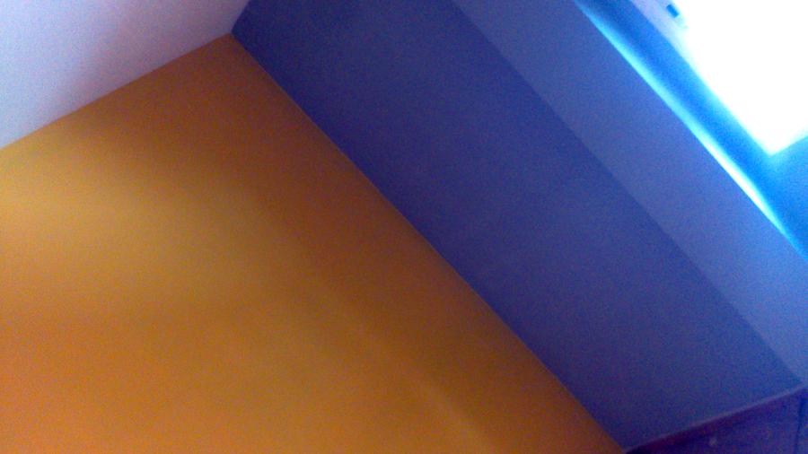 colores en piso via august
