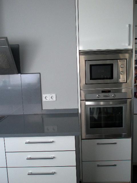 columna horna y microondas