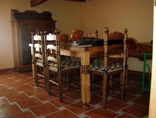 Foto: Comedor Rustico Provenzal de Mobles Quer - Massis Quer #404917 ...