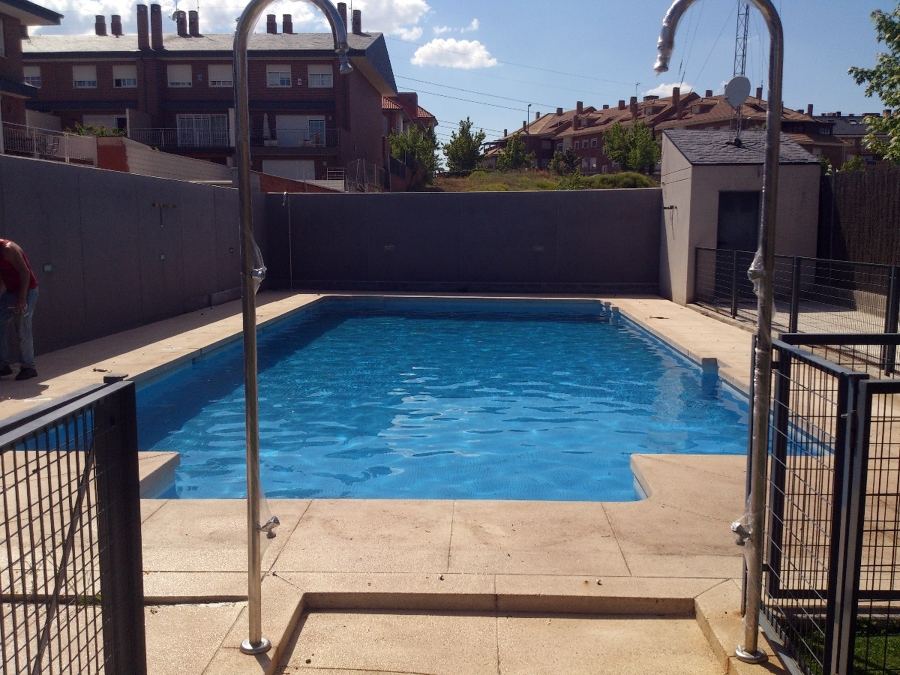Foto condiciones de piscina con mantenimiento de invierno for Mantenimiento piscina invierno