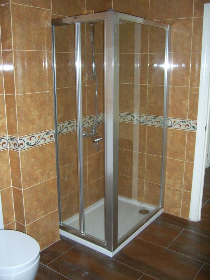 Foto conjunto de ducha de pie de c weyler 511581 for Conjunto de ducha
