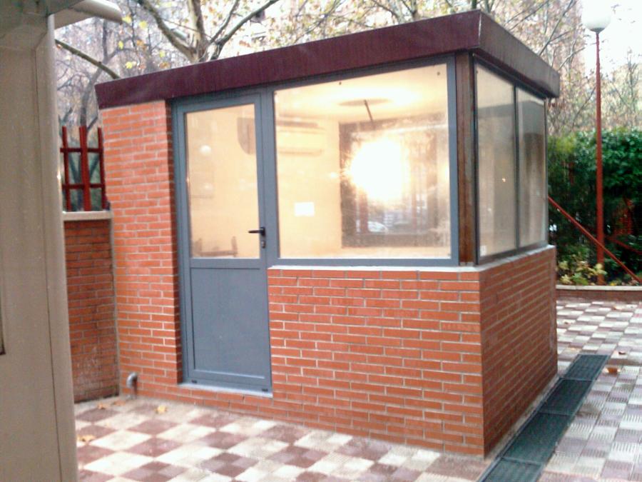 Foto construccion de caseta de control de stc siglo xxi for Casetas de madera prefabricadas leroy merlin