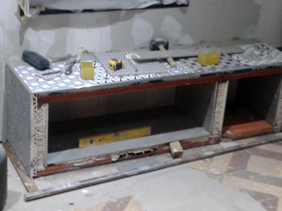 Foto construcci n de meseta de apoyo para chimenea de for Construccion de chimeneas de lena