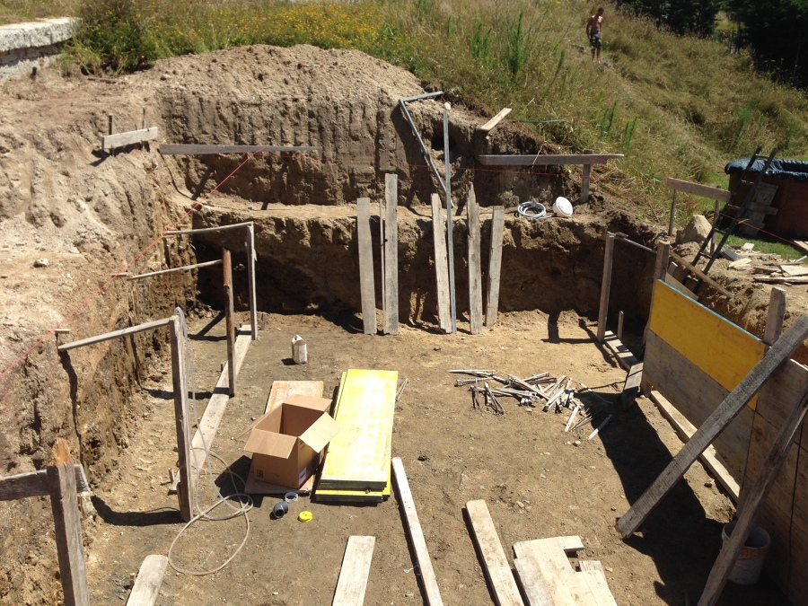 Foto construcci n de piscina privada en vivienda for Construccion de piscinas en granada