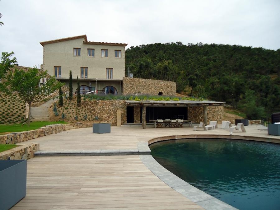Foto construcci n de piscina y caseta barbacoa de vicens for Barbacoa y piscina madrid