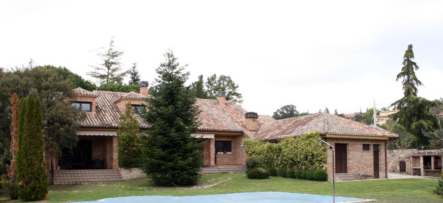 Construccion de vivienda unifamiliar aislada en la sierra de Madrid