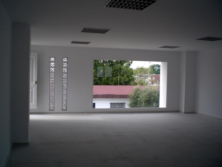 Construcción edificio de dos plantas