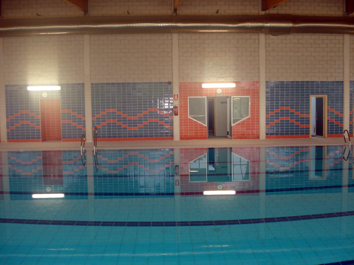 Foto construccion piscina cubierta de areserco for Piscina cubierta zaragoza
