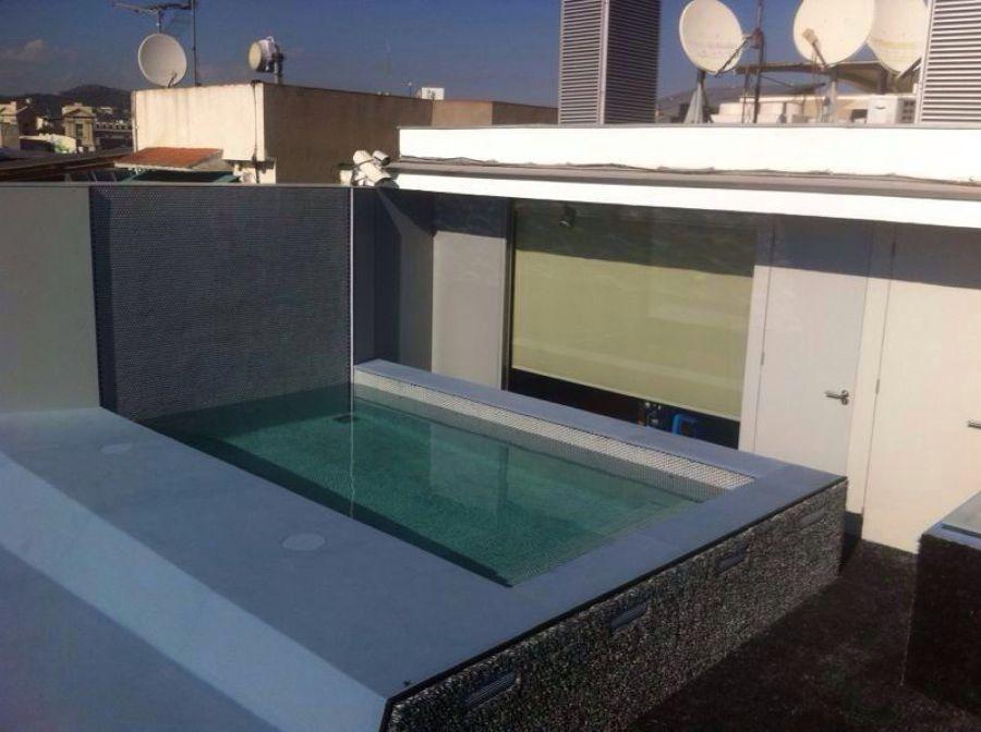 foto construcci n piscina en tico de barcelona de