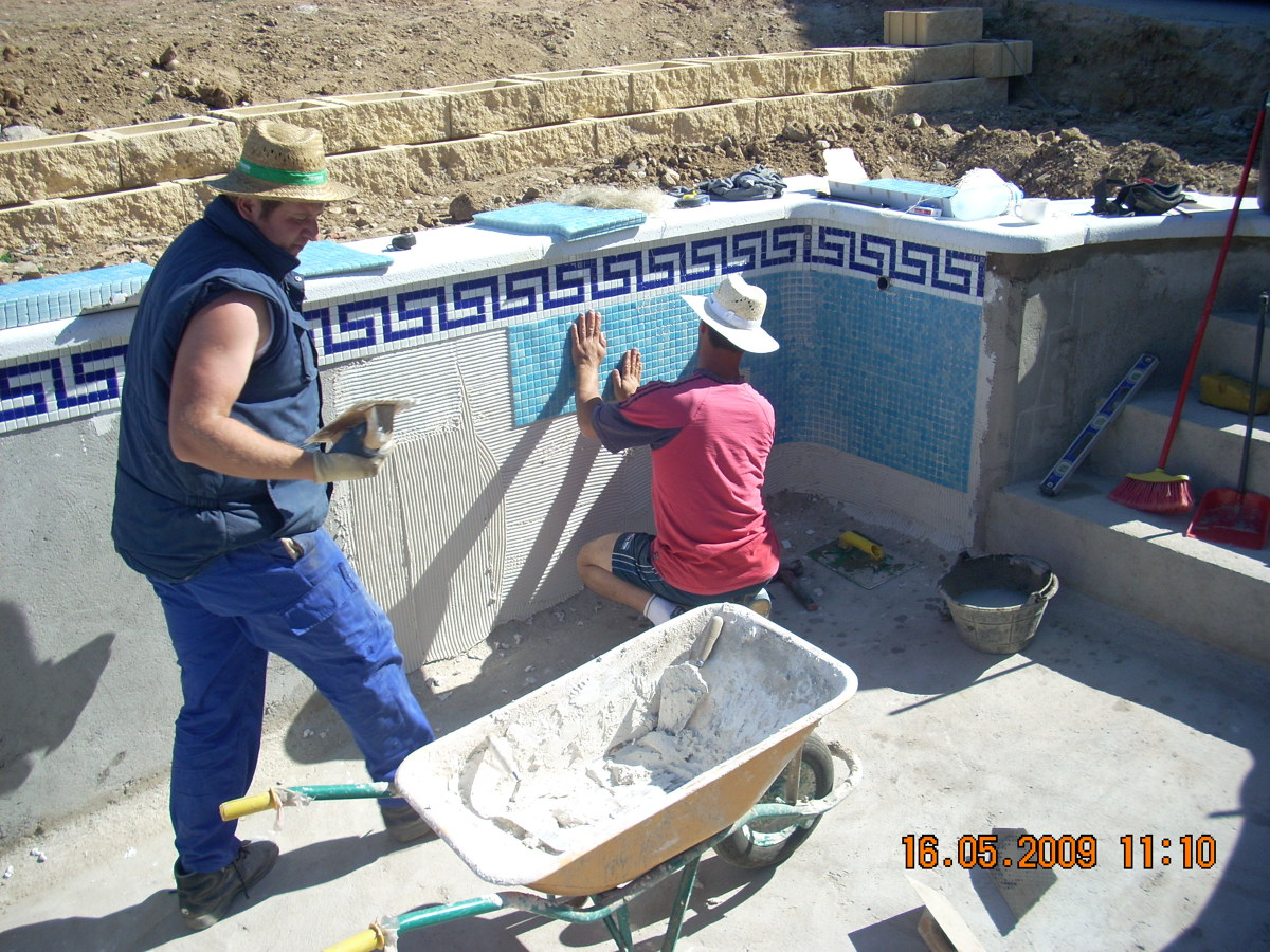 Foto construccion piscina de construcciones y piscinas for Construccion piscinas