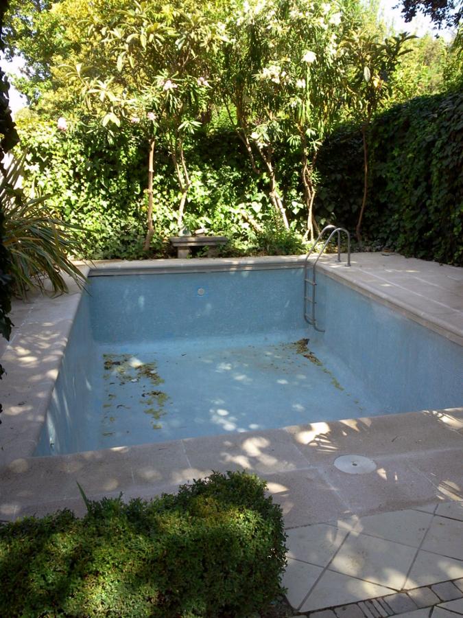 Foto coronaci n de piscina de piedra artificial de - Piedra artificial malaga ...