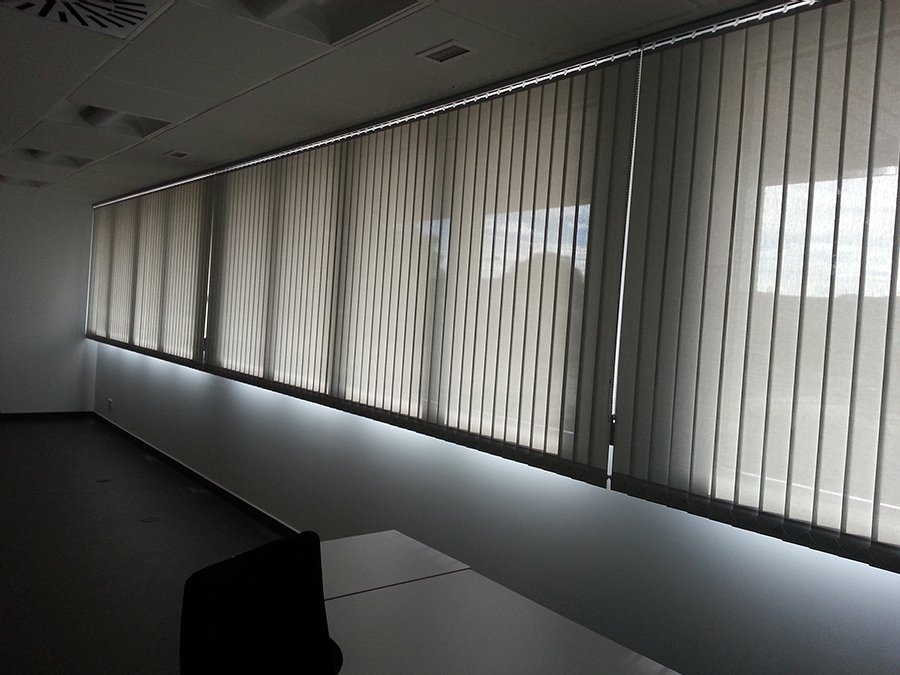 Cortina Vertical Polyscreen