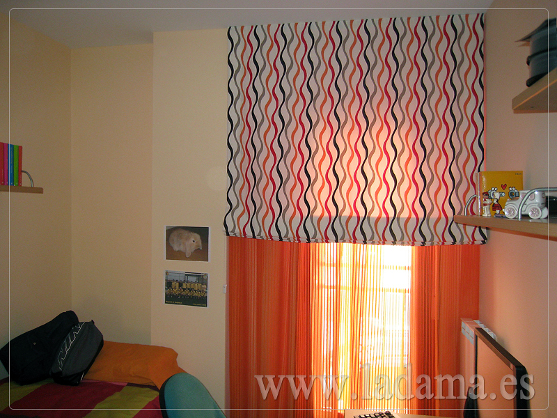 Foto cortinas y estor para dormitorio juvenil de la dama for Cortinas para dormitorios juveniles