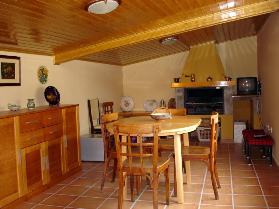 Foto costrucci n de falso techo de madera y chimenea de for Falso techo rustico