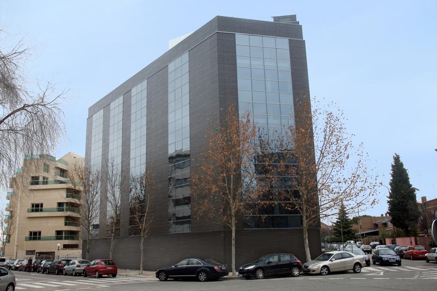 Edificio Industrial Plaza Cronos.Madrid.
