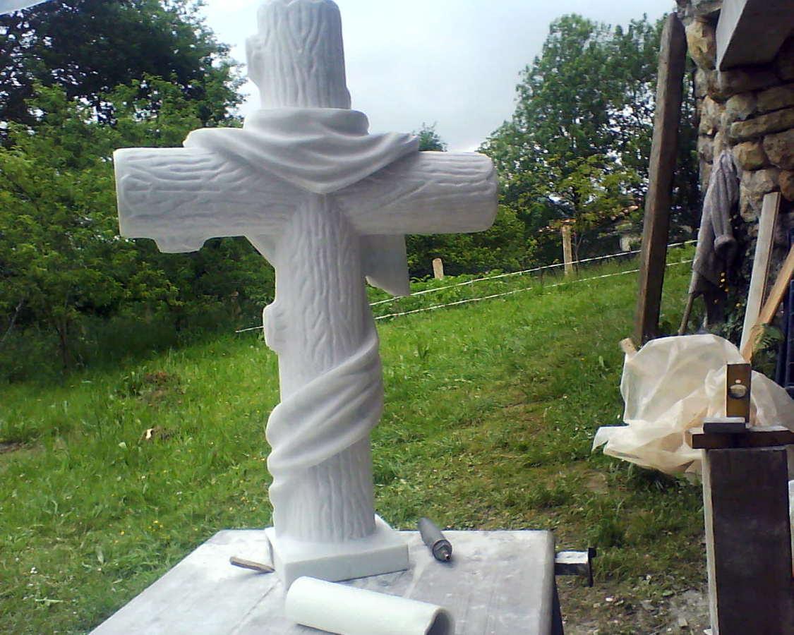 cruz de piedra en Noreña