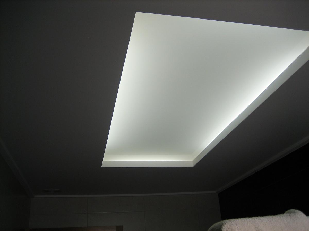 Foto cuadrado para luz indirecta luz encendida de - Luz indirecta escayola ...