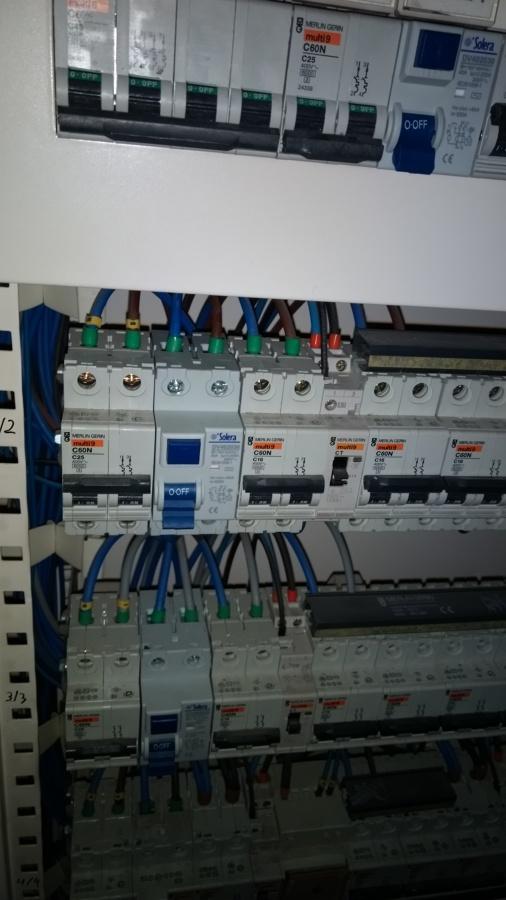 Montaje de cuadros electricos