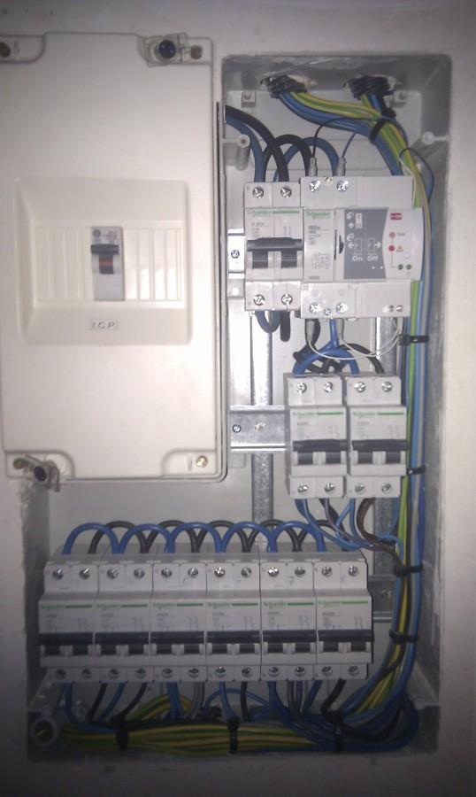 Foto cuadro el ctrico en vivienda con diferencial con for Diferencial rearme automatico