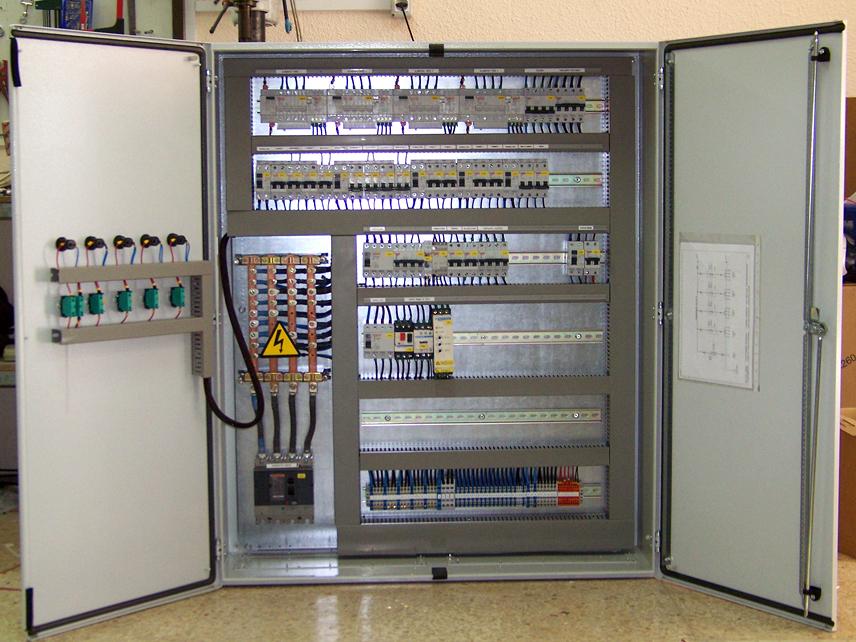 Foto cuadro el ctrico industrial de nuypa instalaciones s for Cuadro electrico componentes