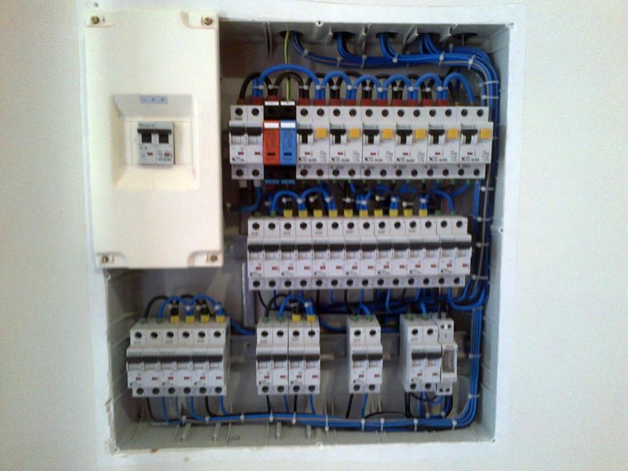 Foto cuadro electrico para vivienda de aplicaciones - Cuadro electrico vivienda ...